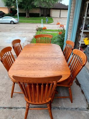 🍅🌿Dining room table with 6 chairs. Good condition. Table has a leaf. 🍅🌿 for Sale in Houston, TX