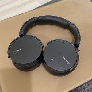 Sony MDR Wireless Bluetooth Headphones Noise Cancelling, Extra Bass Comes With Charger for Sale in Marina del Rey, CA