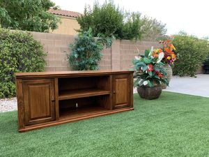 21X64 TALL26 BEAUTIFUL HEAVY TV STAND ( FREE DELIVERY 🚚 FIRM PRICE $200 ) GOOD CONDITION 👌🏻 for Sale in Las Vegas, NV