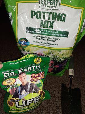 Pots & soil for Sale in Las Vegas, NV