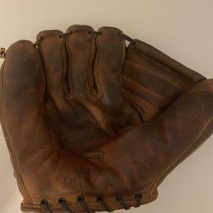 Wilson A2083 Baseball Glove for Sale in Herriman, UT