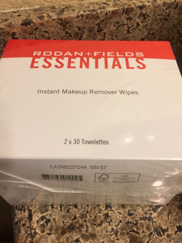 R+F Rodan Fields Instant Makeup Remover Wipes
