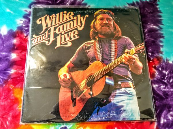 """Willie Nelson and Family """"live"""""""