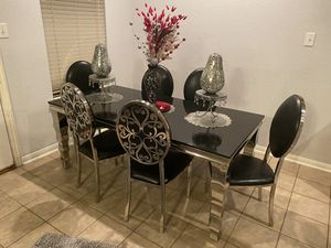 Brand new dinning table 6 chairs 2weeks old for Sale in Houston, TX
