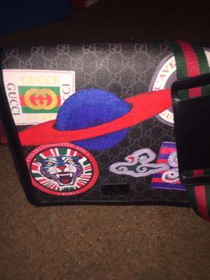 Gucci messenger bag for Sale in Philadelphia, PA