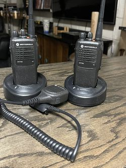 Motorola 2way Radios New With Mics 16channels for Sale in The Bronx,  NY
