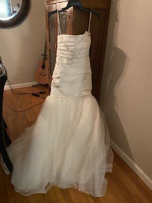 Wedding dress, Vera Wang (off the rack @ David's Bridal) for Sale in San Diego, CA
