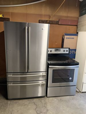 Haier fridge and electric stove for Sale in Fresno, CA