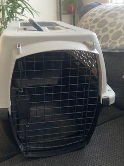 Never Been Used Dog Crate ( Small Dog) $20 for Sale in San Leandro,  CA