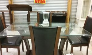 Dining room table a set of 4 for Sale in Macon, GA