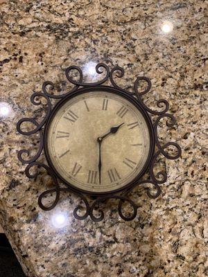 Adorable Bronze Metal Clock for Sale in Chula Vista, CA