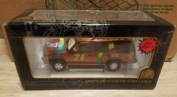Brookfield Collectors Guild Jeff Gordon DuPont ChromaLusion Chevrolet Tahoe Limited Edition of 5,000 New in Box