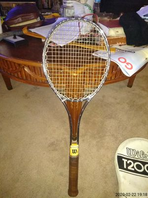 5 different tennis rackets with 4 ball each in original case for Sale in Lexington, NC