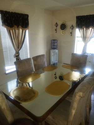 9 piece Dining Room Set for Sale in Baltimore, MD