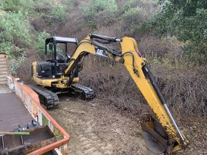 Excavator with Extra scoops for Sale in Hacienda Heights, CA