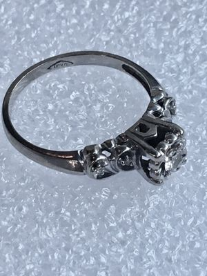 Vintage 14K White Gold Natural 0.16ct Diamond Engagement Wedding Ring Art Deco Size 6.5 Weighs 2.4g Main stone is 3.15mm and the 4 smaller stones are for Sale in Stanford, CA