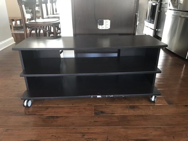 Samsung tv and free tv stand