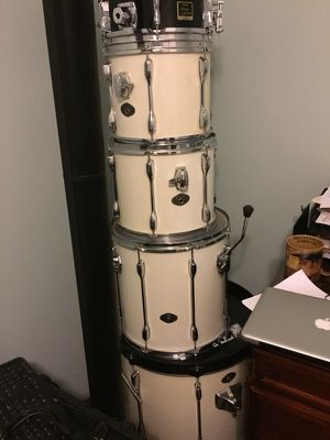5 piece Tama drum set. for Sale in Florissant, MO