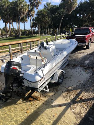 Triumph center console Suzuki outboard four stroke Turn key! for Sale in North Palm Beach, FL