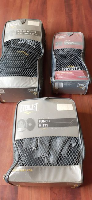 Everlast Punching Mitts for Sale in Baltimore, MD