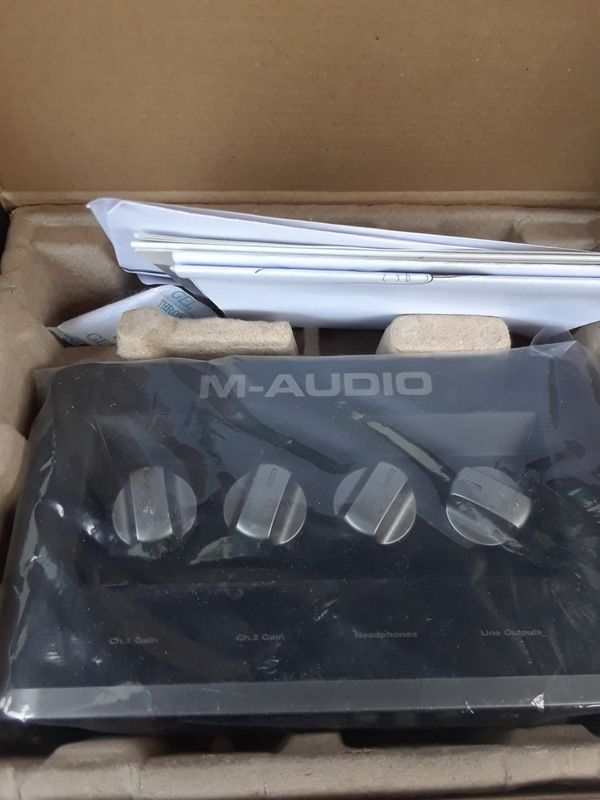 New Recording Studio M-Audio Pre Amp W/ Pro Tools SE Pc