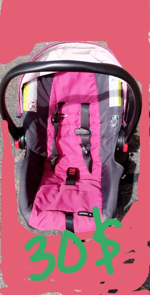 Graco baby car seat for Sale in Wichita Falls, TX