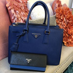 Prada Safiano Bag and Wallet for Sale in Henderson, NV
