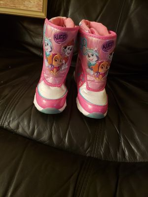 Girl winter boots for Sale in Chicopee, MA