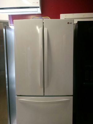 Lg white three door for Sale in Houston, TX