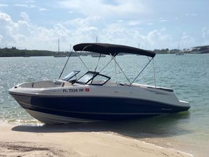Boat Bayliner VR5 2017 for Sale in Miami, FL