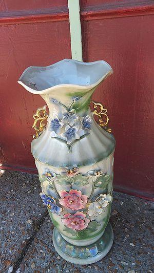 Large. Porcelain Vase for Sale in St. Louis, MO