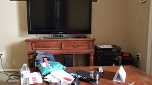 Coffee table tv stand free. for Sale in Chandler, AZ