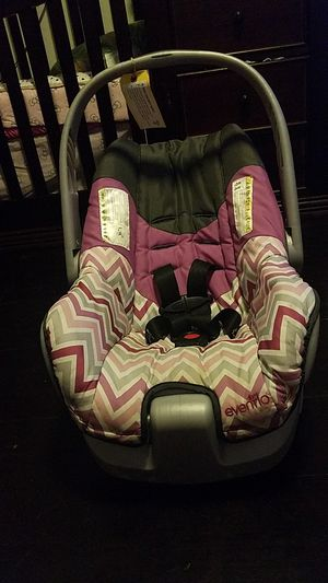 Carseat 5 lbs for Sale in Aberdeen, WA