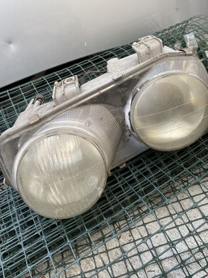 Acura Integra left headlight for Sale in Hayward, CA