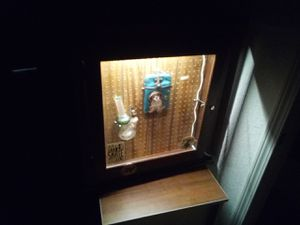 Countertop display case with LED light for Sale in Englewood, CO