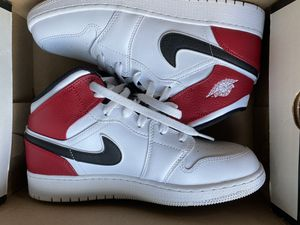 Jordan Retro 1 Gym-Red Mids Size 7Y for Sale in Lawrence, MA