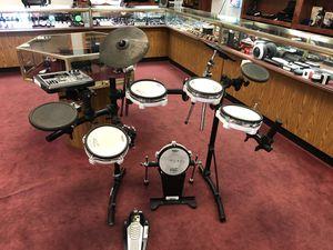 Roland v drum set td-8 for Sale in Austin, TX