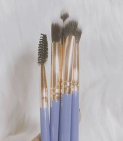 Lavender Luxie Makeup Brushes for Sale in Ovalo,  TX