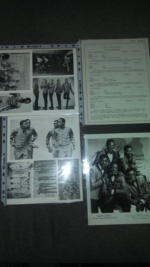Extremly Rare Signed Photo of The Temptations. Signed by all the original members for Sale in East Los Angeles, CA