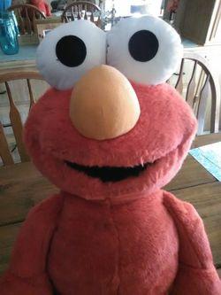 Super cute large Elmo!! for Sale in Hemet,  CA