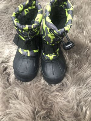 Boots size 5 toddler for Sale in Kennewick, WA