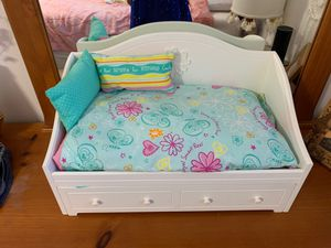 American girl doll bed for Sale in Miami, FL