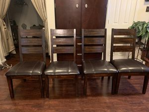 Ashley grey marble 4 seat dining table & area rug for Sale in Katy, TX