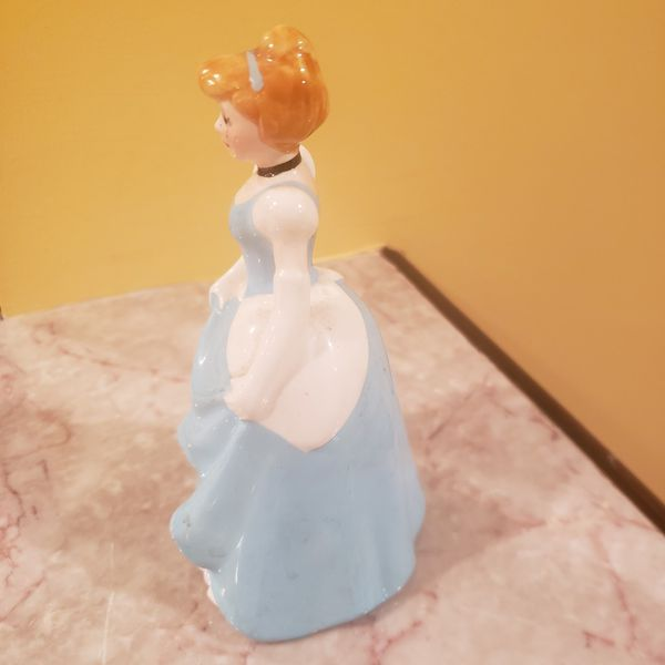 "WALT DISNEY PRODUCTIONS CINDERELLA CERAMIC FIGURINE BLUE DRESS BROWN HAIR 5.5"""
