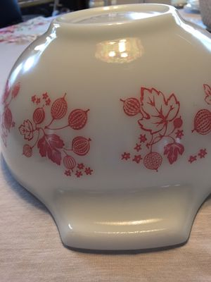 Vintage 1957 PYREX Gooseberry pattern 2 1/2 qt BOWL for Sale in Scappoose, OR