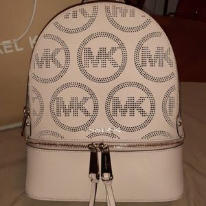MICHAEL KORS NEW BACKPACK 🎒 for Sale in Stockton, CA