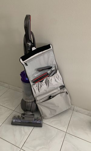 Dyson upright vacuum- no animals. Works great paid $500 for Sale in Dunedin, FL