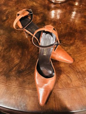 Kenneth Cole brown leather heels for Sale in West Palm Beach, FL