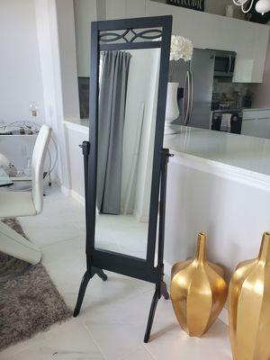 Black standing mirror for Sale in Deltona, FL