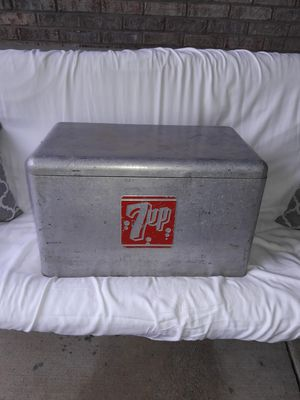 7Up Cooler for sale   Only 3 left at -60%